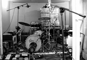 Картинка из студии RADIOHEAD