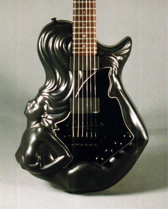 Гитара-брюнетка