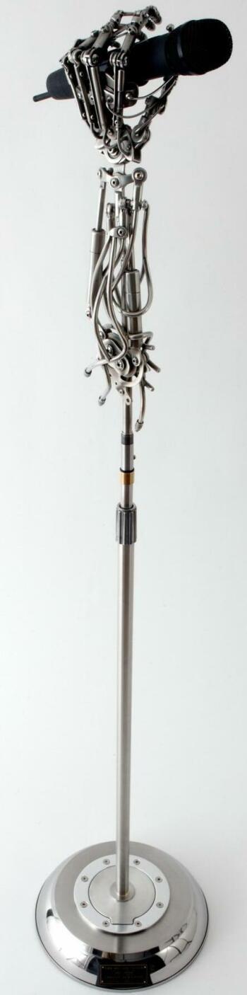 Биомеханическая микрофонная стойка