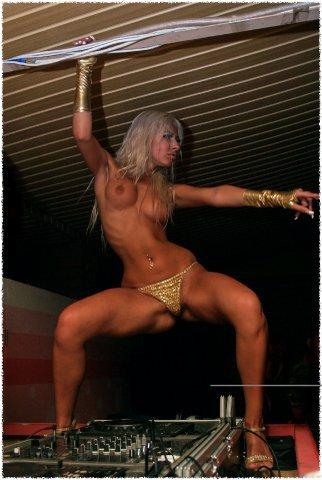 t-dj-Milana nude